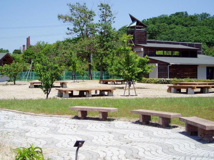犬島公園キャンプ場管理棟