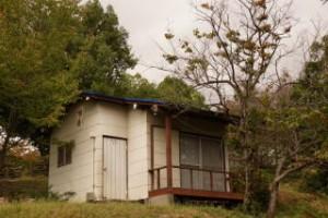 経ヶ丸キャンプ場バンガロー