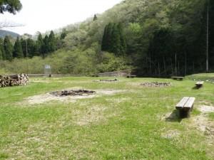 津谷キャンプ場 いこいの広場