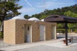 権現総合公園キャンプ場トイレ