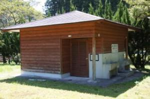 三国公園キャンプ場 トイレ棟