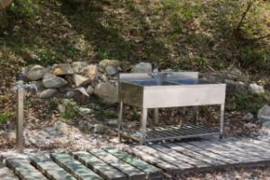 ひろしま県民の森キャンプ場フリーサイト炊事場
