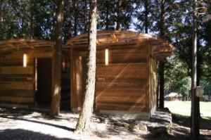 キャンプリゾート森のひとときトイレ棟