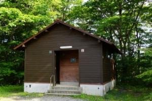 もみのき森林公園キャンプ場トイレ棟