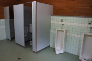 湯の原温泉キャンプ場トイレ