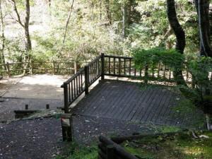 大滝山県民いこいの森キャンプ場木製デッキ