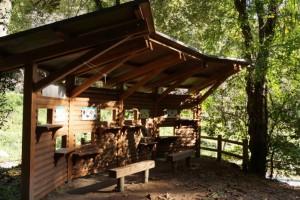 鳴滝森林公園キャンプ場野鳥観察小屋