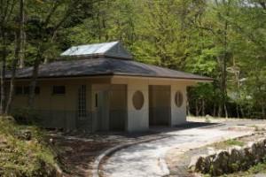 ひろしま県民の森第1キャンプ場トイレ棟