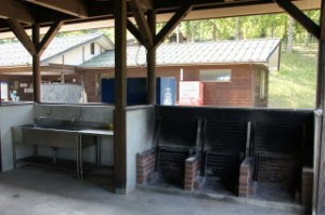 湯の原温泉キャンプ場炊事棟