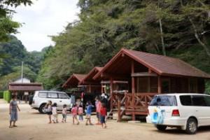 湯の瀬温泉郷キャンプ場バンガロー