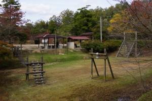 亀島キャンプ場 アスレチック広場