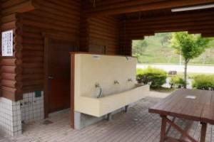 深入山グリーンシャワーオートキャンプ場炊事場