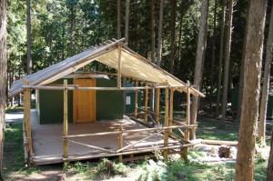 キャンプリゾート森のひとときデッキハウス