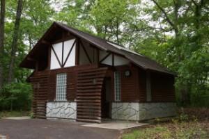 休暇村「帝釈峡」くぬぎの森オートキャンプ場 トイレ棟