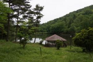 琵琶ヶ池「いこいの森」キャンプ場 水上テラス・琵琶ヶ池