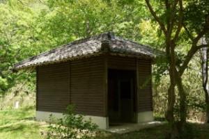 高幡森林浴の森キャンプ場 トイレ棟