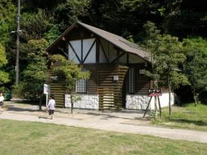 仙酔島キャンプ場 トイレ棟