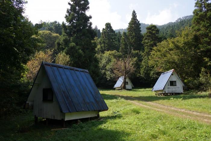 王山キャンプ場 ログハウス