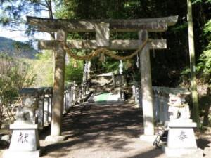 龍神社 参道