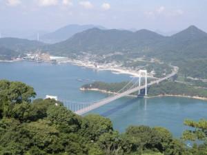 伯方島と伯方・大島大橋fromカレイ山展望台