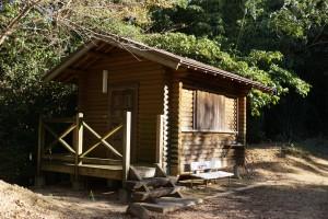 高鉢山キャンプ場林間広場 バンガロー