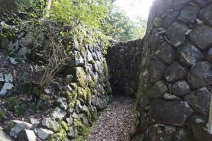 高鉢山キャンプ場 風穴入口