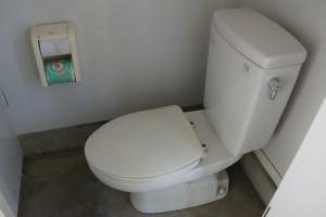 伊丹野外活動センター テントサイトトイレ (3)