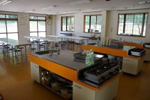 布都美林間学校 食堂