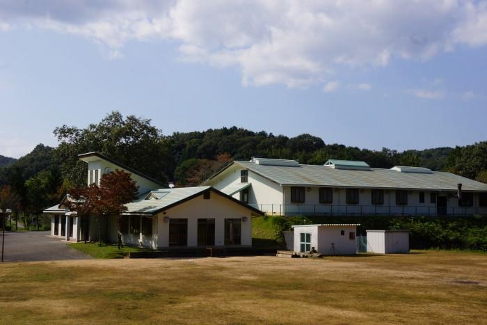 布都美林間学校