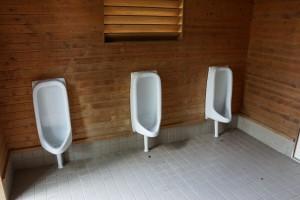 布都美林間学校 キャンプ場 トイレ